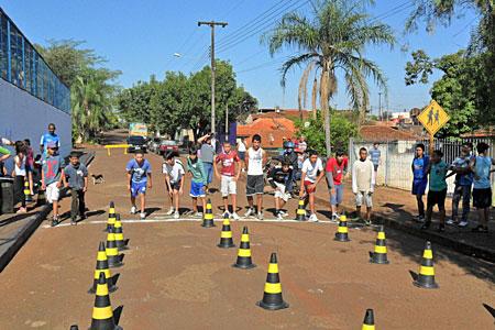 SMEL garante cidadania a jovens atendidos pelos projetos de intervenção social.